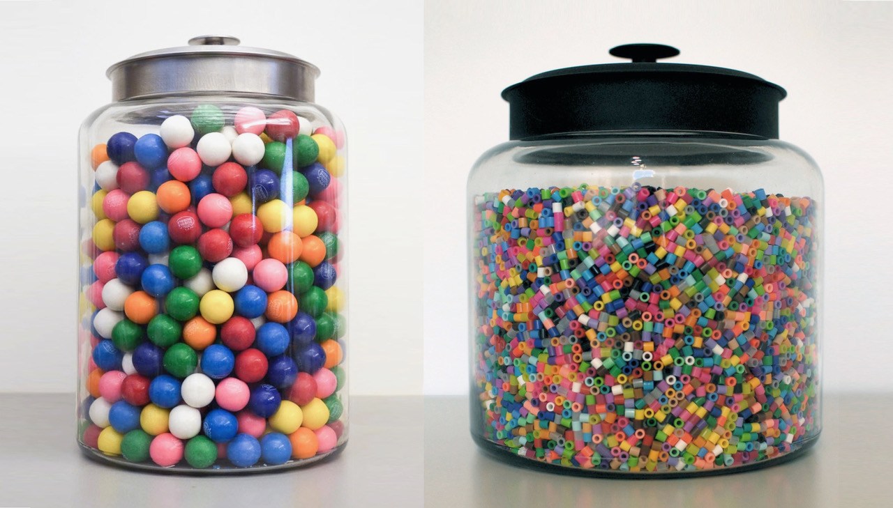 PARTICIPANTS IN THE STUDY WERE ASKED TO ESTIMATE HOW MANY GUMBALLS OR BEADS FILLED A GIVEN JAR. (GUMBALLS PICTURED: 659. BEADS PICTURED: 27,852)
